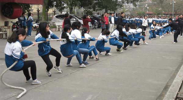 Tổ chức thi kéo co trong trường học