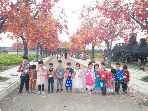 Các con được đi tham quan dã ngoại hằng năm