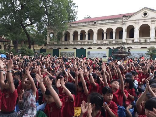Học sinh trường tiểu học Dương Xá tham quan Hoàng Thành Thăng Long