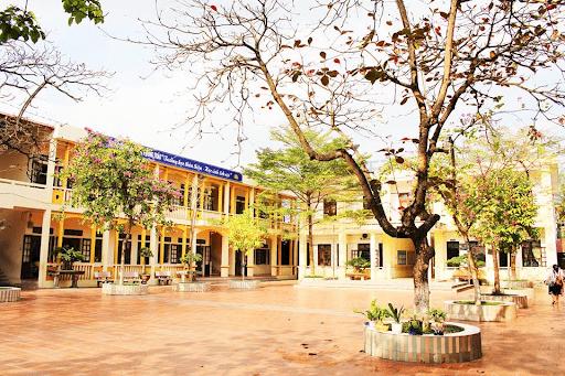 Trường tiểu học Trần Phú - Sơn Tây, Hà Nội