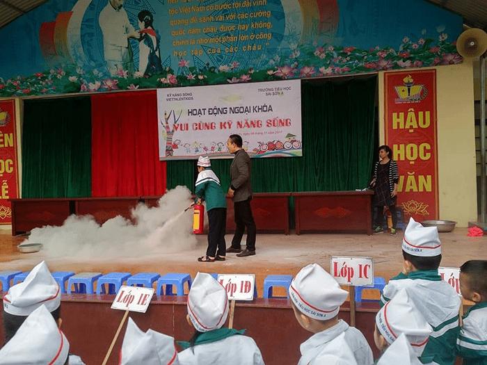 Nhà trường tổ chức hoạt động chia sẻ các kỹ năng sống cho các em học sinh