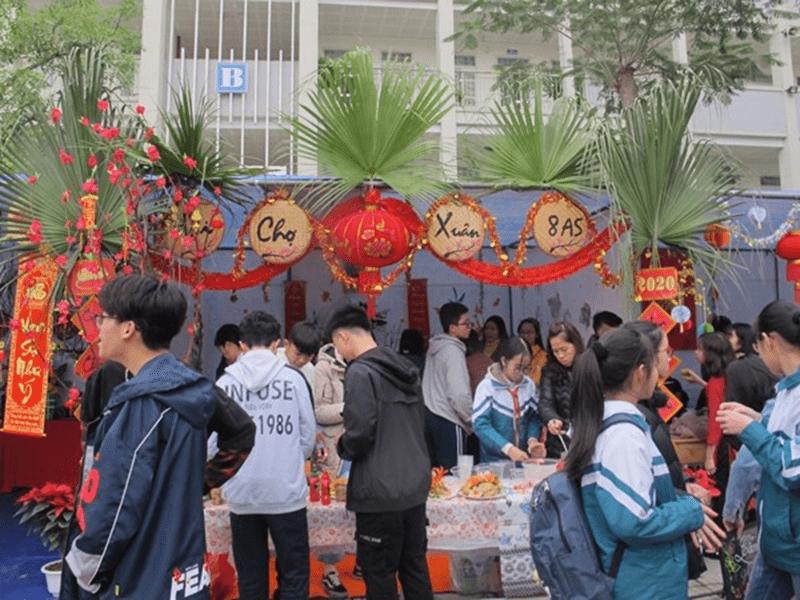 Hội chợ Xuân 2020 của trường THCS Sài Đồng