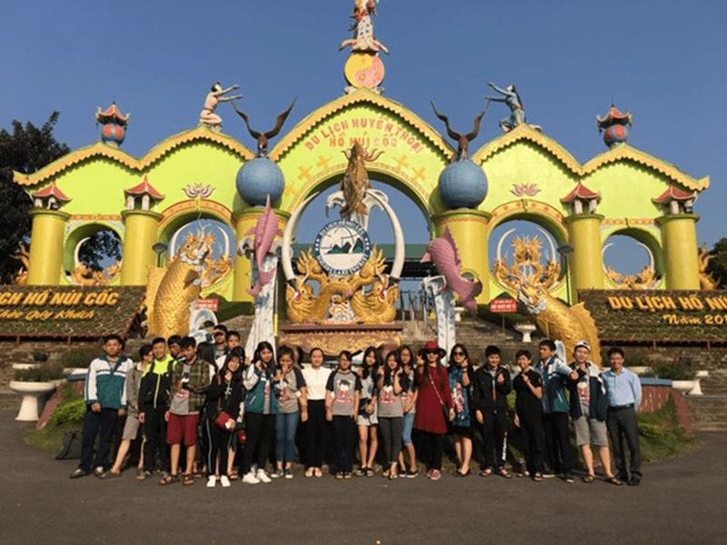 Trường THCS Hạ Đình tham quan dã ngoại tại Hồ Núi Cốc