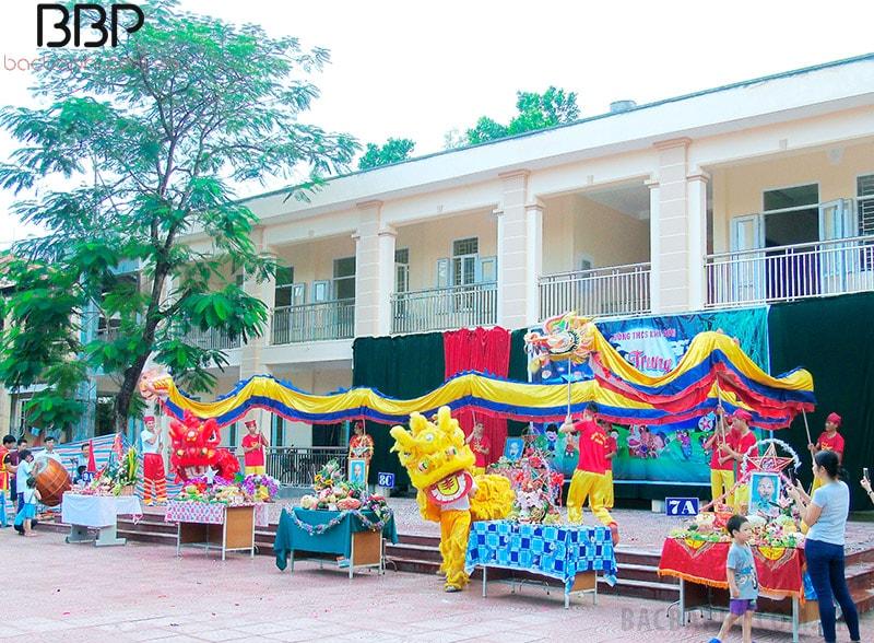 Nhà trường tổ chức Lễ Trung thu cho các em học sinh