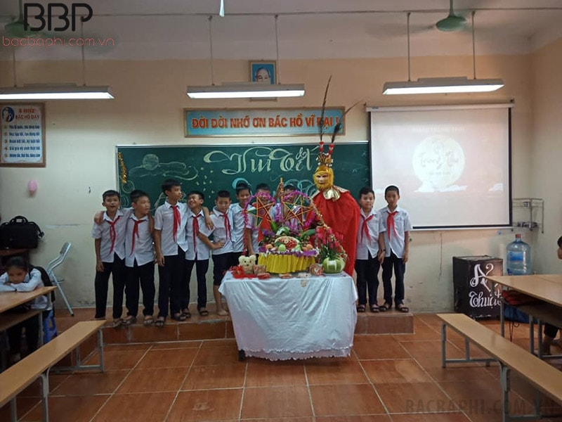 Học sinh trường THCS Cổ Đông tổ chức Vui tết Trung thu