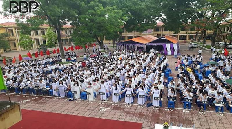 Trường THPT Mê Linh