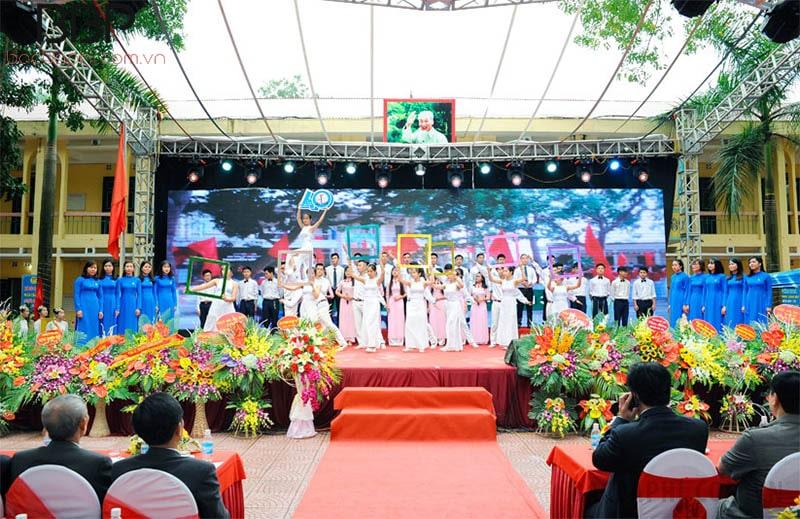 Trường THPT Nguyễn Văn Cừ